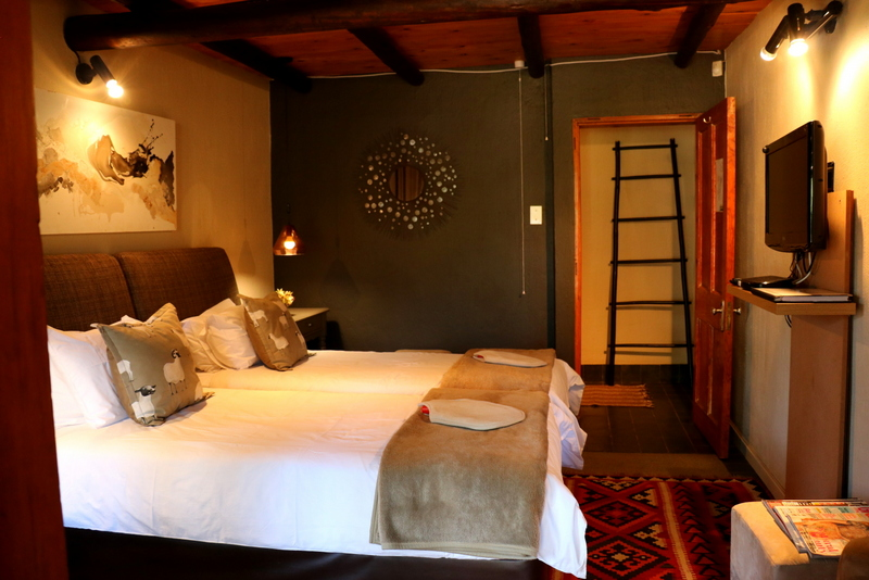 Acacia Luxury Room 1