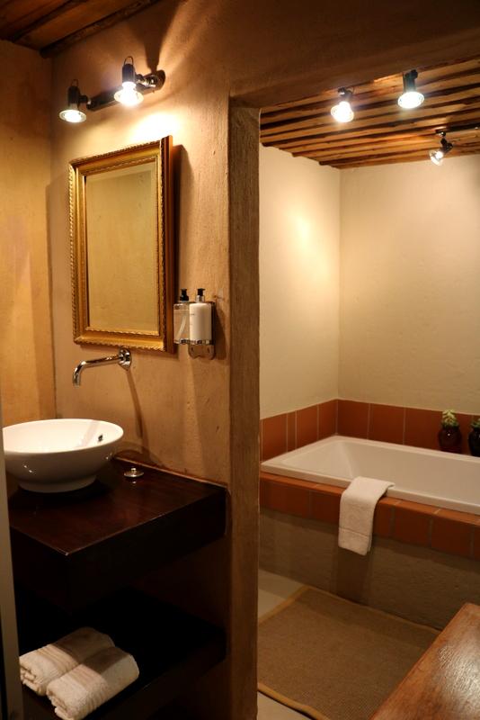 Camphor Honeymoon Suite 7