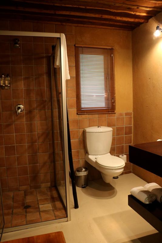 Camphor Honeymoon Suite 8