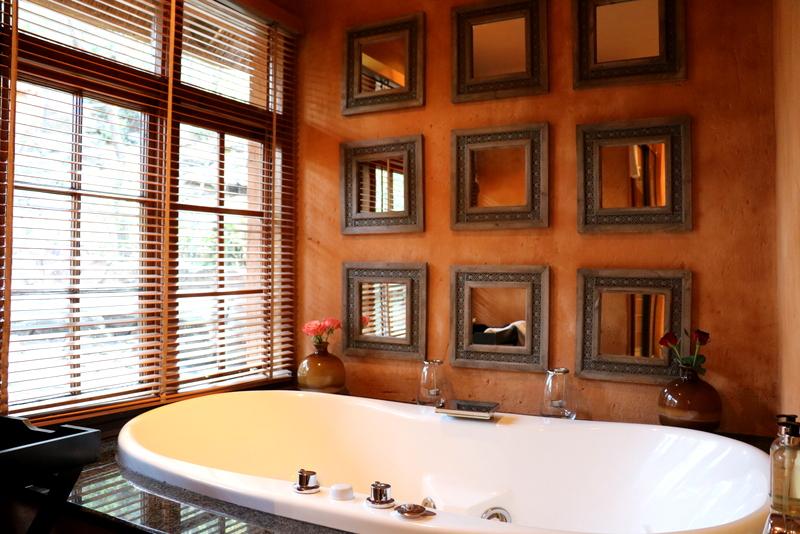 Fever Tree Honeymoon Suite 6