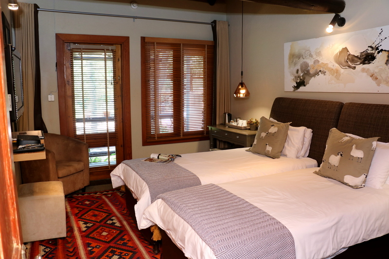Acacia Luxury Room 4
